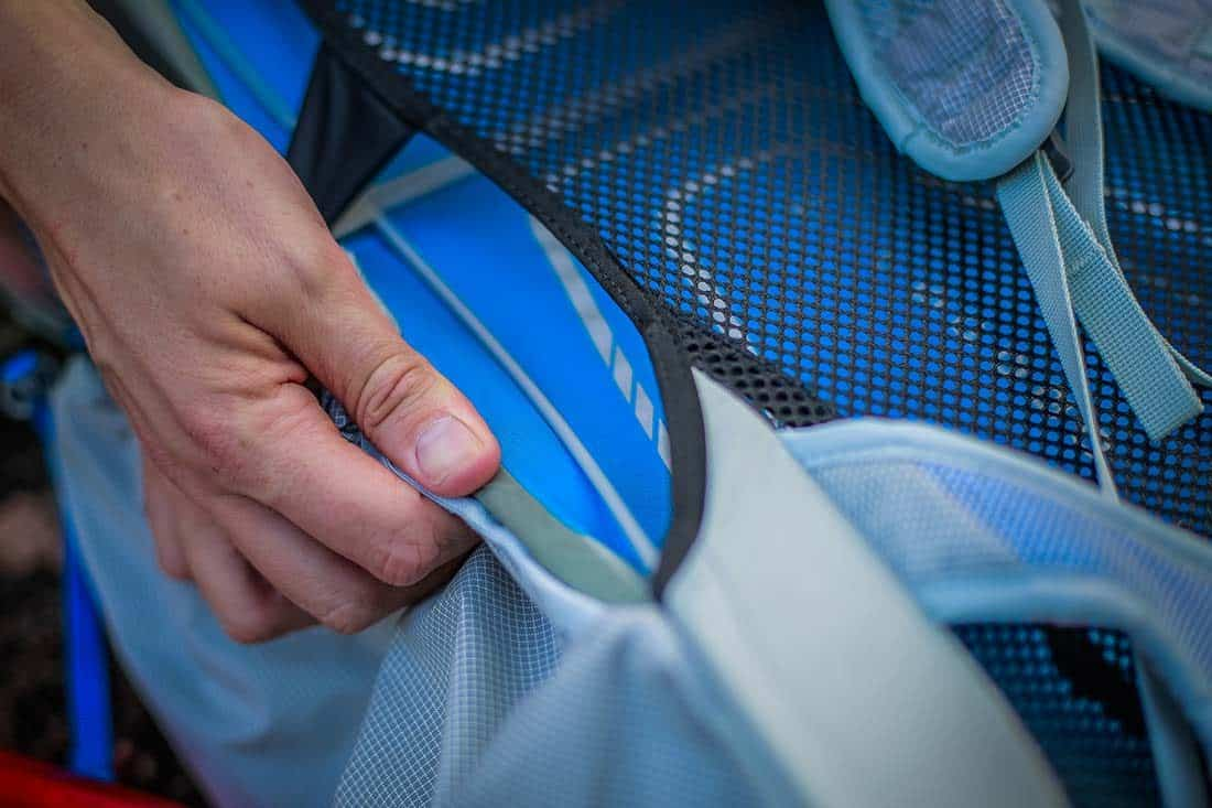 Breathable mesh back panel with side ventilation. Photo:©Richard McGibbon