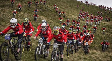 Red Bull's 400-Man 'Fox Hunt' Is Absolute MTB Mayhem