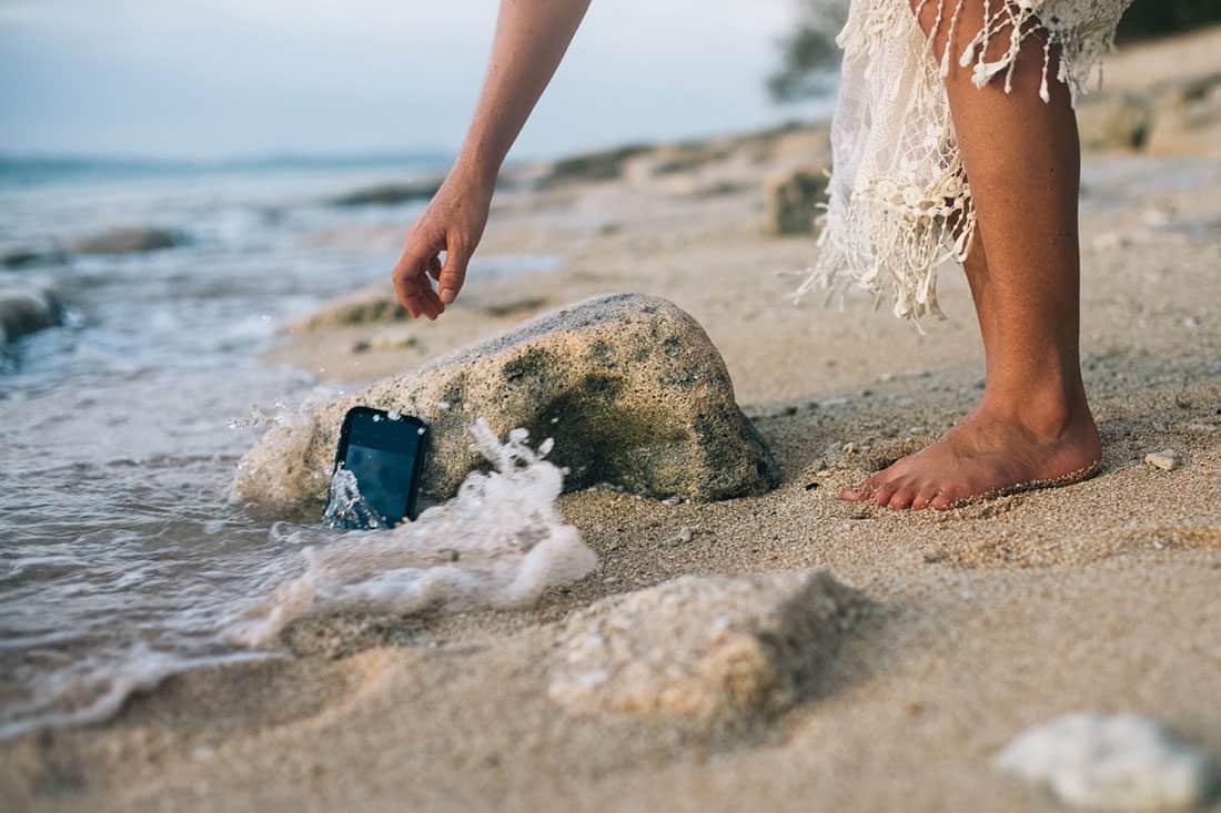 FIRST LOOK – Pelican iPhone Waterproof Marine Case