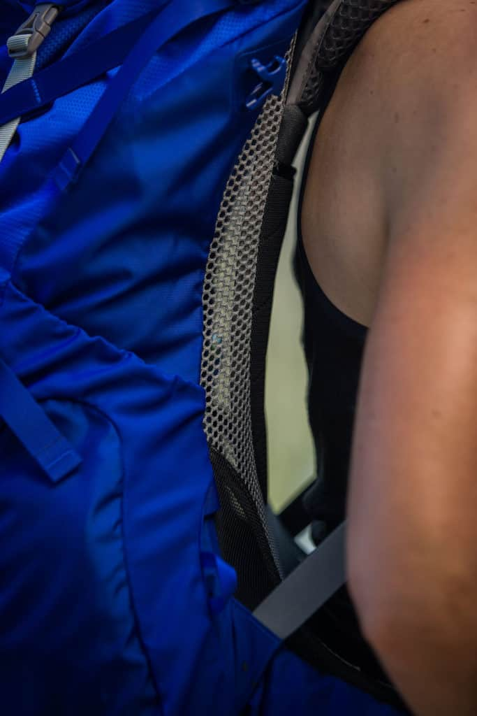 ANTI-GRAVITY™ BACKPANEL. Top to bottom suspended mesh wraps shoulders, back and hips for a fully integrated fit and superior airflow. Photo:©Richard McGibbon