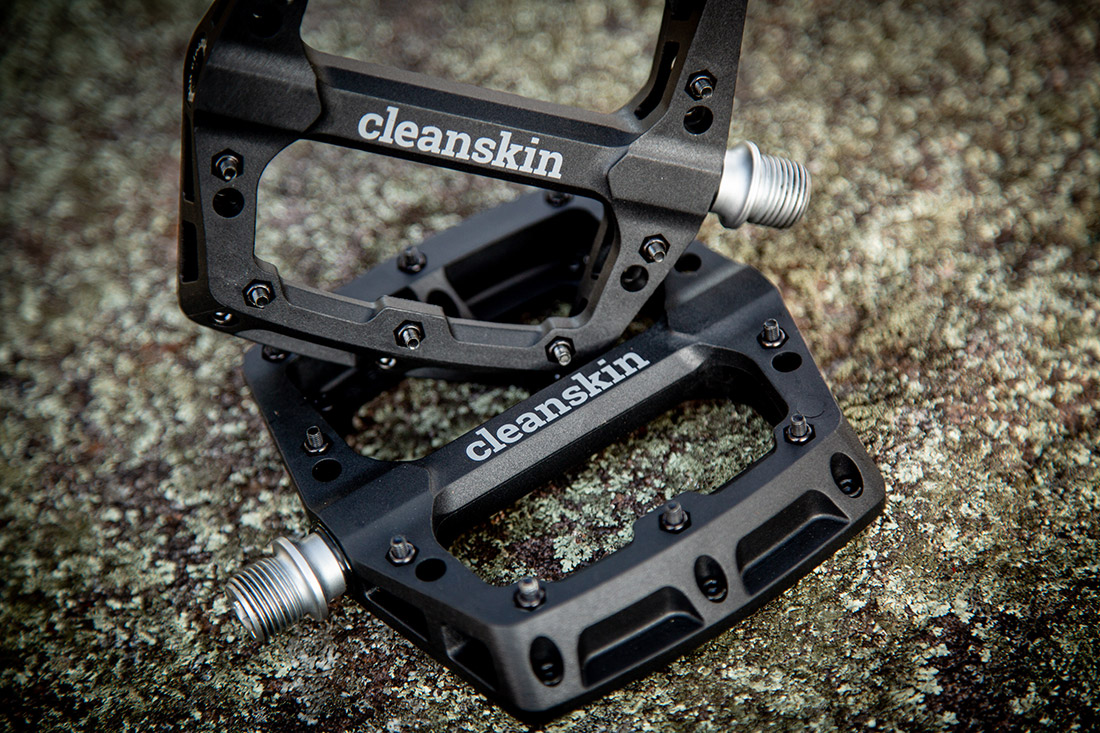 cleanskin_composite_flat_pedal