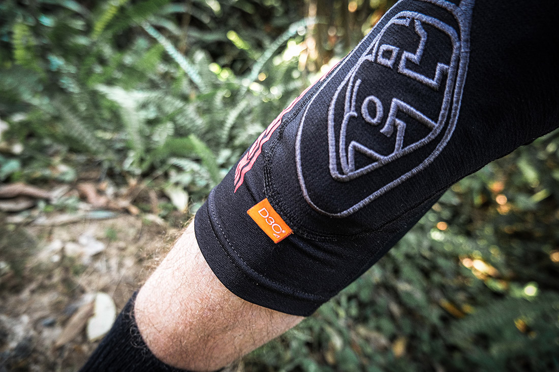 tld stage knee pads